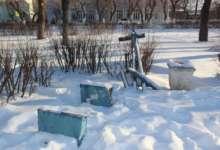 В Карталах часто крадут канализационные люки и ломают качели