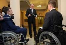 Губернатор Челябинской области убедился в доступности здания правительства для инвалидов