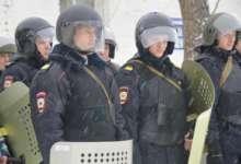 В Карталах полицейские отработали приемы для пресечения массовых беспорядков
