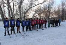 Хоккей в валенках: открыт сезон игр дворовых команд