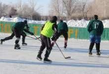 Карталинские хоккеисты ведут упорную игру за победу
