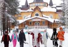 Карталинская школьница побывала в гостях у Деда Мороза