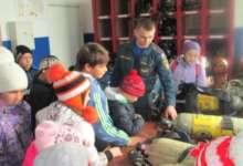 Карталинские ребятишки пришли в гости к пожарным