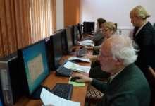 Пенсионеры познают компьютер