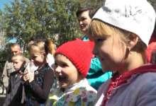 Радовали детей призами и подарками. И не только…