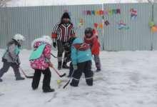 На льду скрестили клюшки настоящие мужчины
