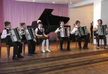 В ДШИ города Карталы прошел отчетный концерт