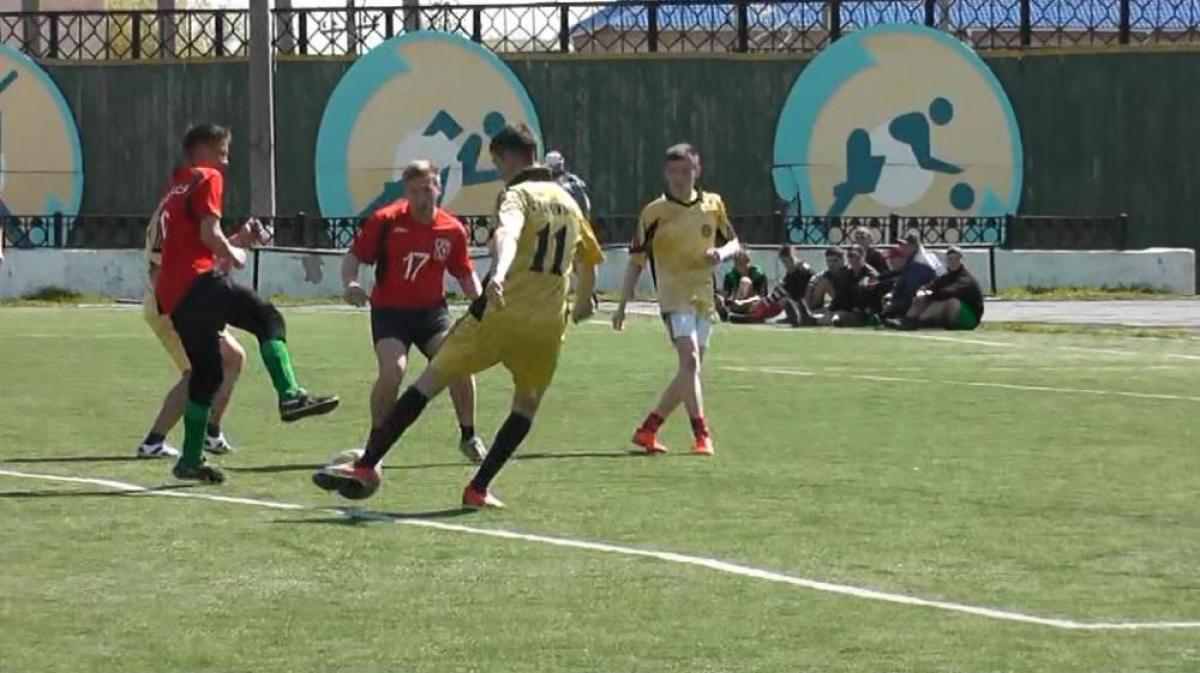 На стадионе «Локомотив» прошли соревнования по мини-футболу