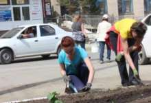 В Карталах улица Калмыкова расцвела