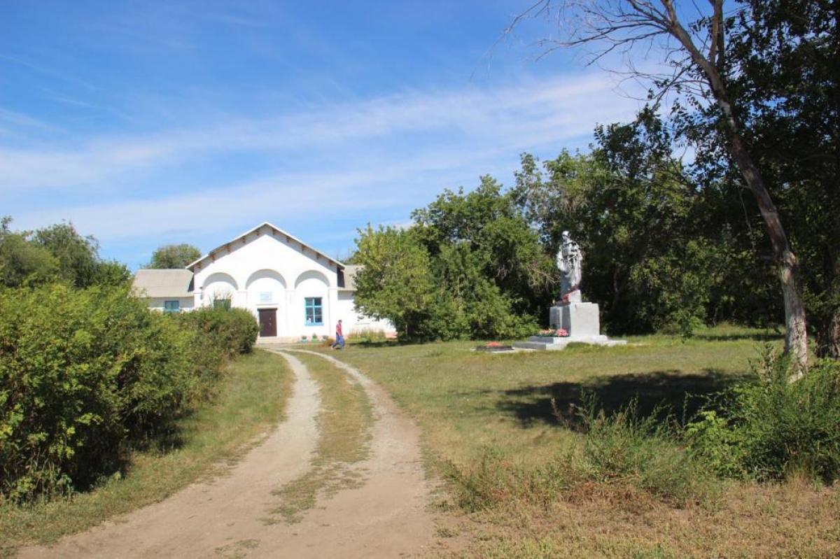 В карталинских поселках строятся детские площадки