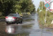 В Локомотивном вода по дороге бежит