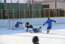 Карталинские хоккеисты продолжают борьбу