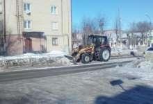 В Карталах дороги очищают от наката