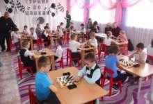 Карталинские дошколята играли в шашки