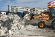 Сегодня по настоятельной просьбе карталинцев вывезли снег со двора