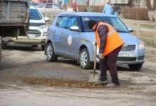 В Карталах отсыпают наиболее опасные дороги