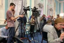 Журналисты ждут Алексея Текслера