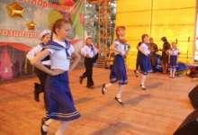 Для карталинцев исполняют песни и танцы