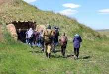 С экскурсией в Аркаиме побывали карталинские юные геологи