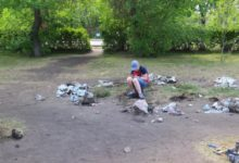 В карталинском парке разбирают детскую площадку