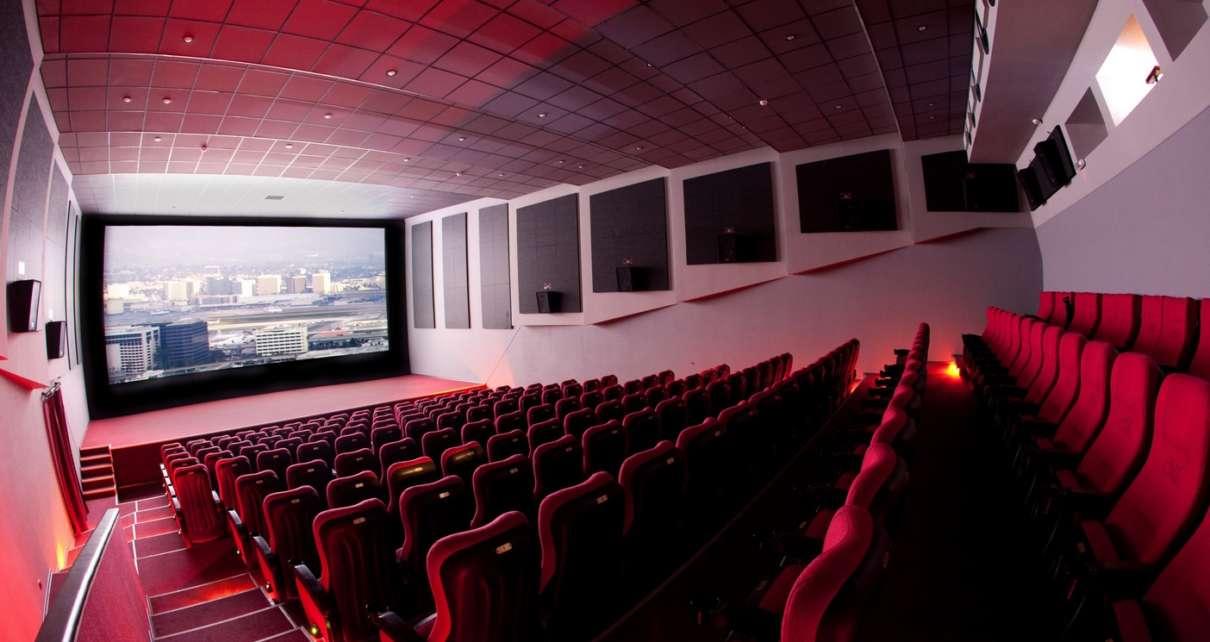 Кино начинается. Кинотеатры откроют