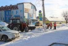 С центра города вывозят снег