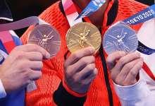 Челябинских спортсменов наградили